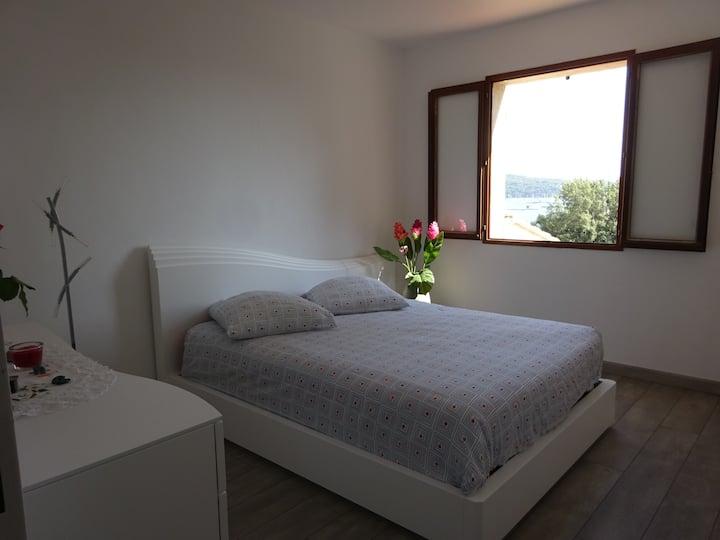 Villa Tamaris vue sur mer plage terrasse et jardin