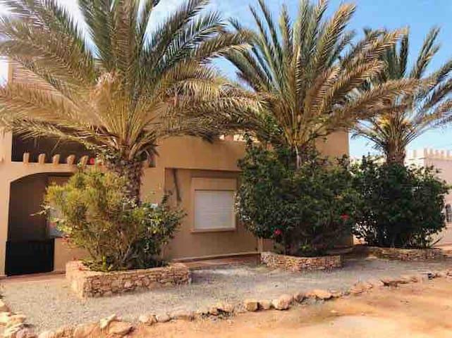 Villa TARGA avec PISCINE quartier des amicales
