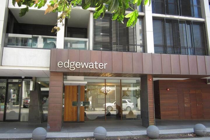 Edgewater 208