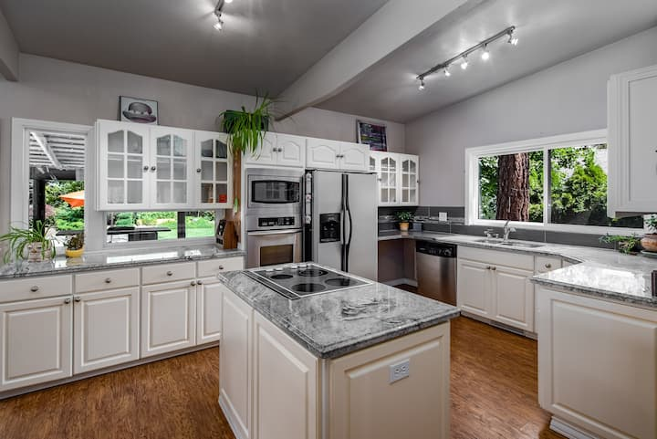 Parkway House - Sports Ct - Pet friendly - Family