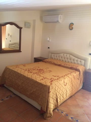 CAMERA B&B A GIOIOSA MAREA SICILIA - Gioiosa Marea - Bed & Breakfast