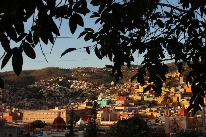 Habitación amplia en el Centro de Guanajuato.