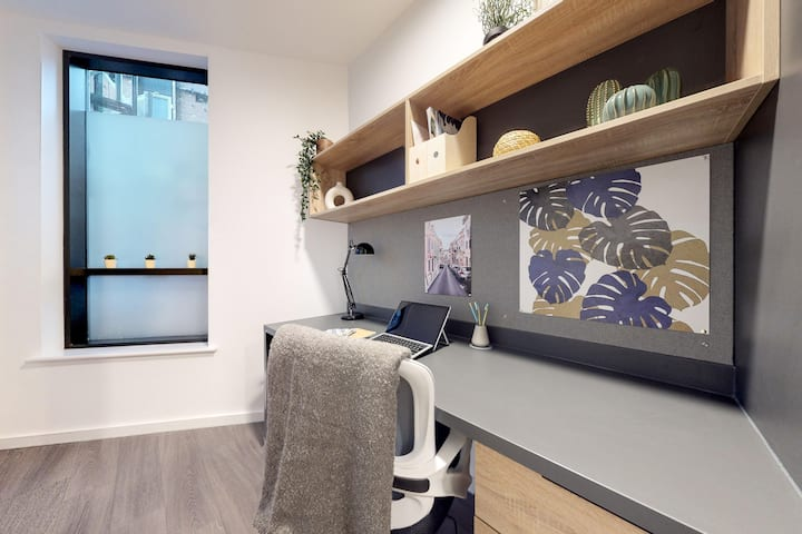 Student Only Property: Grand Superior Studio - 12 months/10%OFF