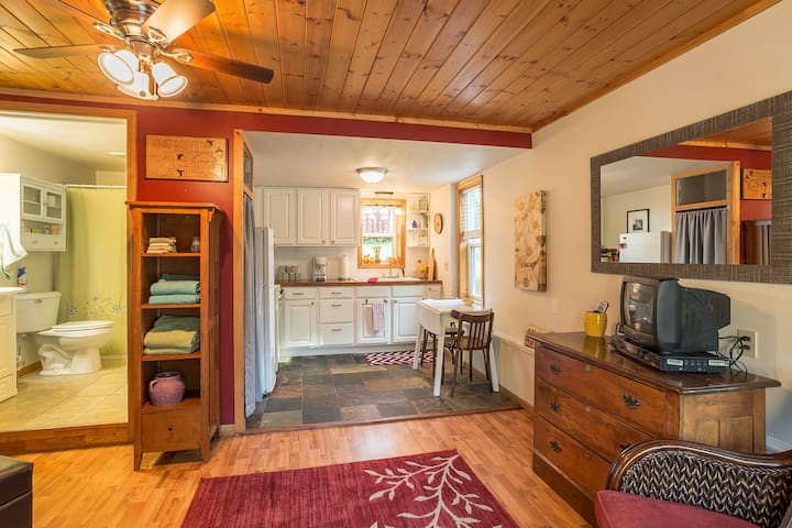 Cottonwood Carriage House