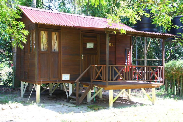 Wooden Matahari Villa in Eco-friendly Campsite - Gopeng - Alpstuga