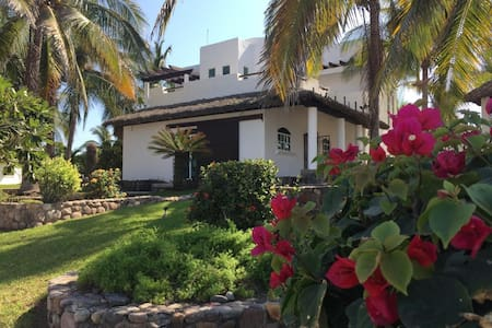 Hermosa casa en la playa, 6673032582 para más info