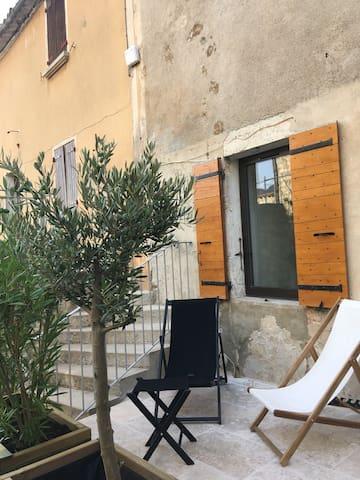 Maison de Village au coeur de Villeperdrix
