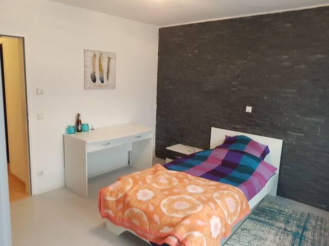 14qm Zimmer I Ideal für Berufspendler I WG-Zimmer