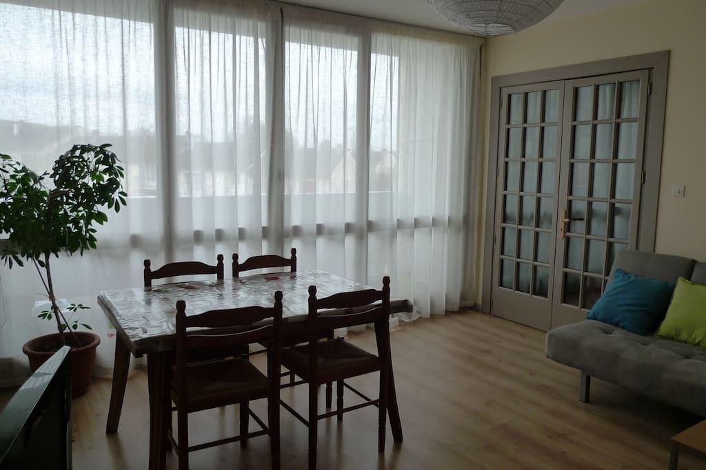 t3 meubl fonctionnel bien situ appartements louer limoges france. Black Bedroom Furniture Sets. Home Design Ideas