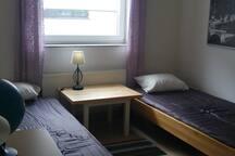Zimmer 1 mit 2 Einzelbetten