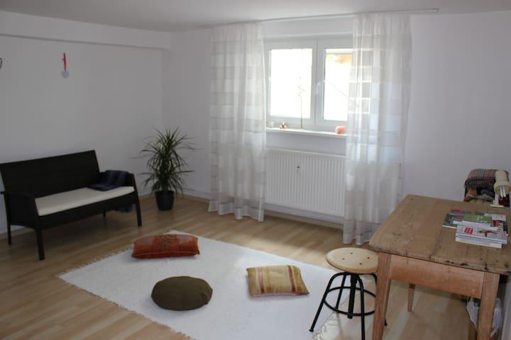 Privatzimmer mit Bad und Küche