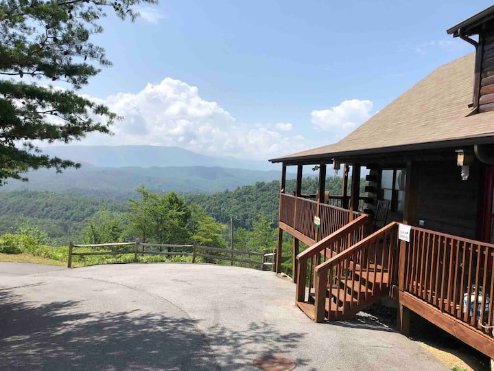 AboveAll-Unobstructed view,Central location,SecludedRetreat