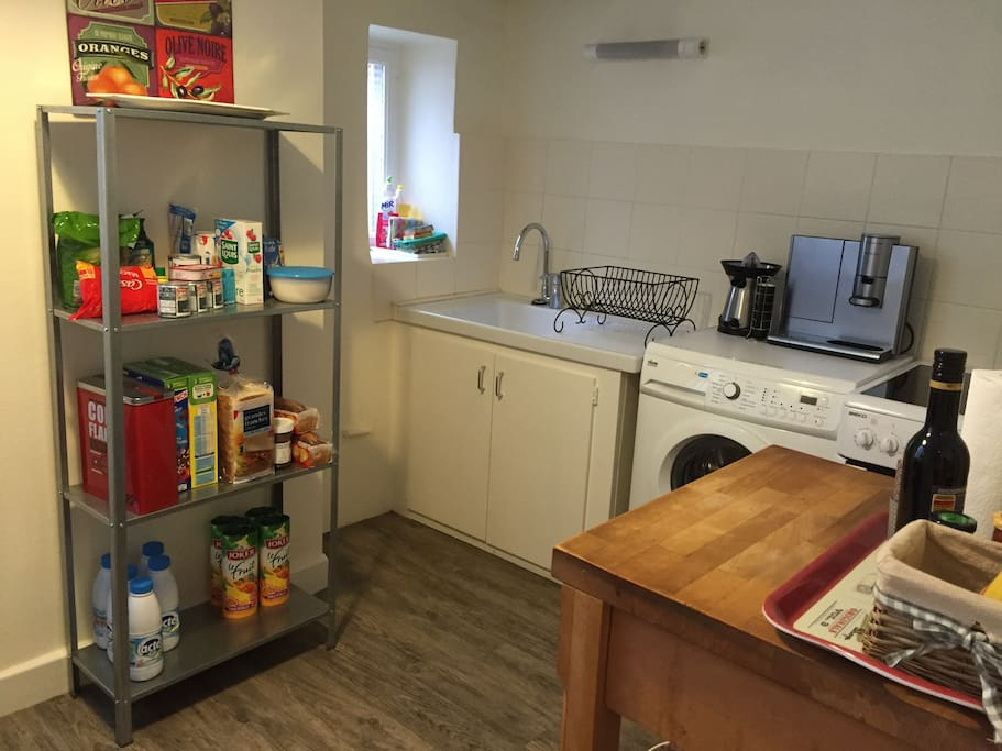 The furnished kitchen