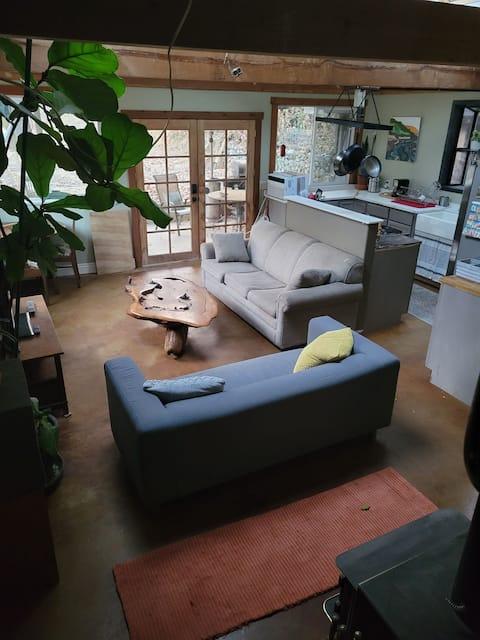 B3 - A unique private guest house