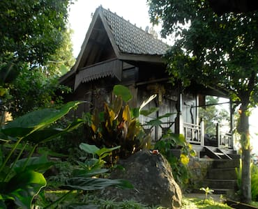 D Uma Tua Retreat Ocean View - Sukasada - Bed & Breakfast