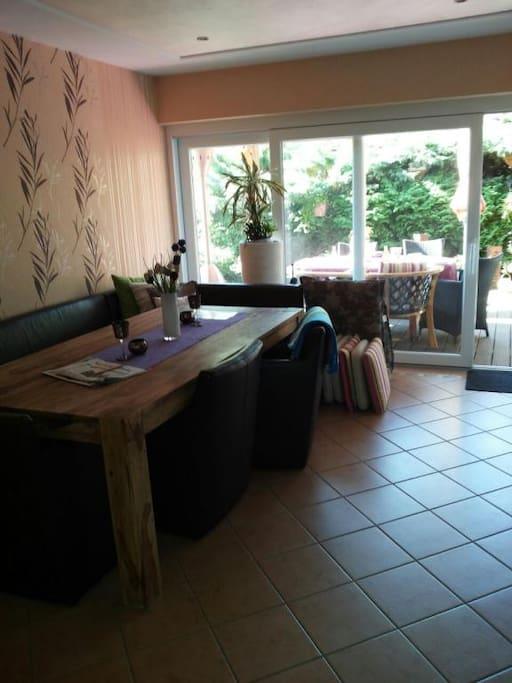 Esszimmer - Diningroom