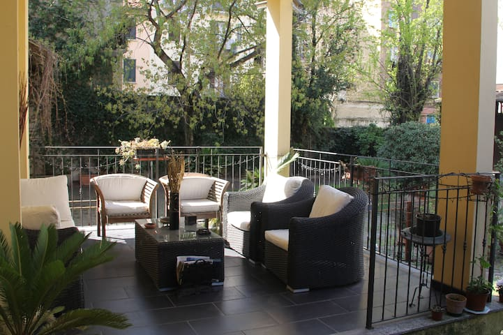 Elegant apartment with garden and home cinema - Milán - Departamento