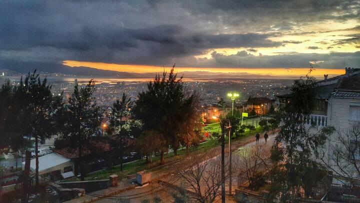 Explore İzmir with gulf view