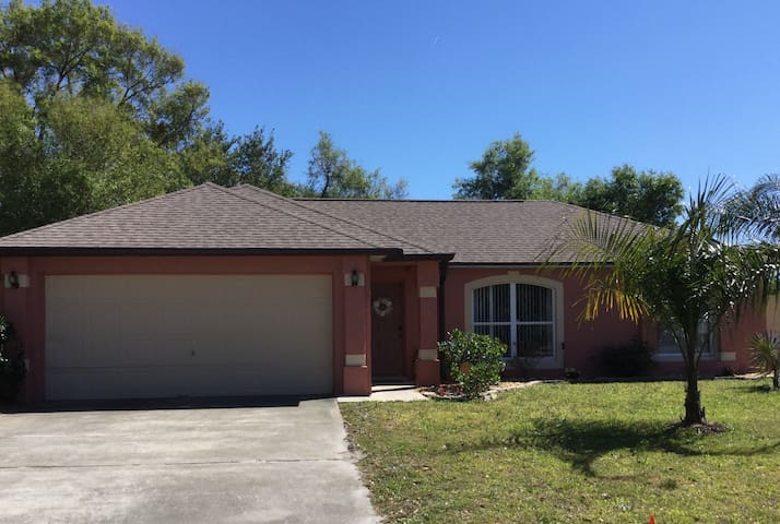 7 Palms Retreat - Deltona