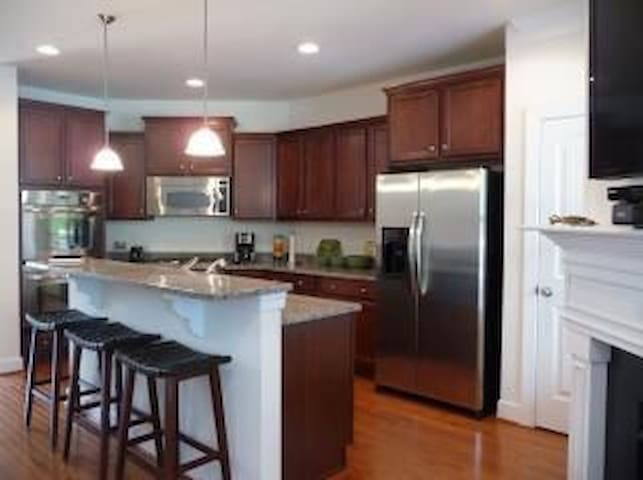 Roomy, high end townhouse in quiet gated community - Rehoboth Beach - Casa