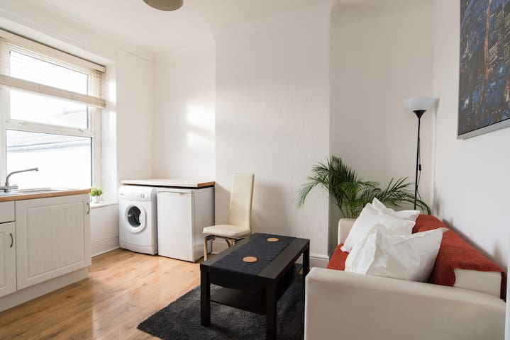 An entire 1 Bed Flat in City Centre to enjoy