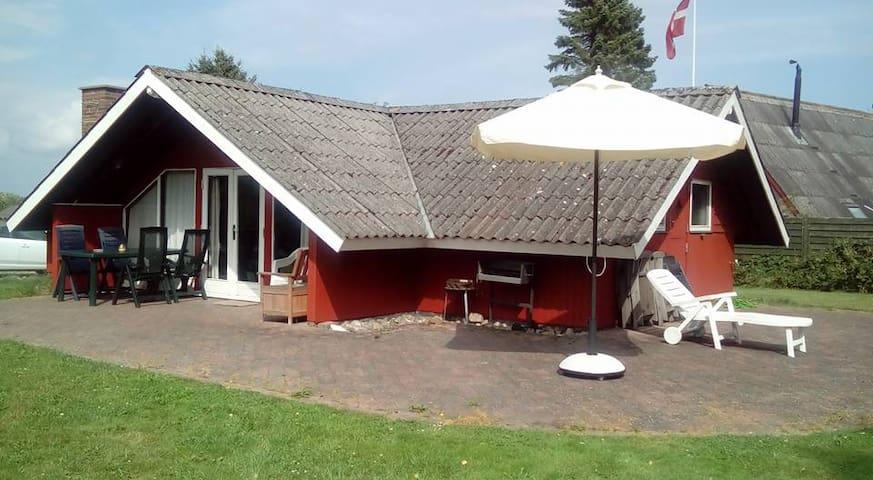 """""""Bakkehuset"""" - 200 m. fra Langelandsbæltet - Humble - Cabin"""