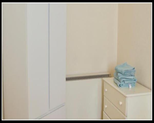 Newly renovated flat in roseburn