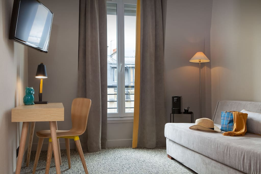 une suite super chouette appartements louer paris le de france france. Black Bedroom Furniture Sets. Home Design Ideas