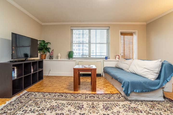 8I❤❤Center Downtown/King bed/★Private Balcony