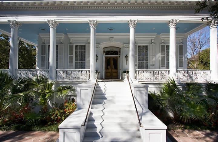 Historic Lower Garden District Mansion: Room 2