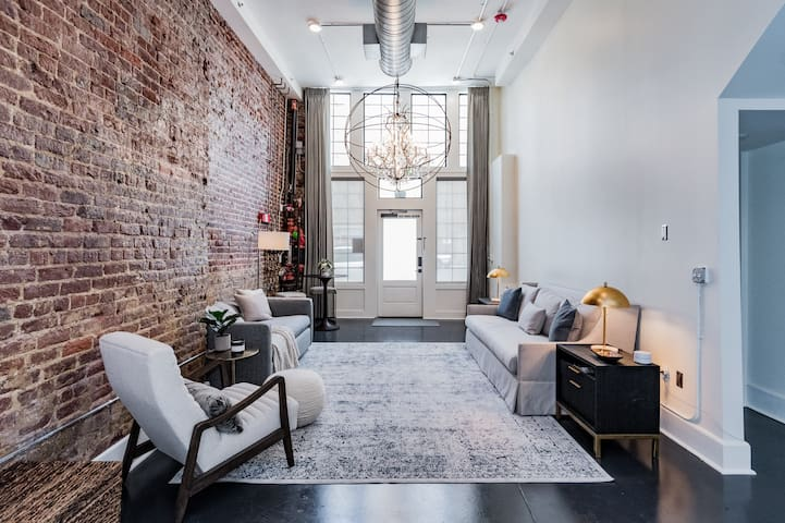 DOWNTOWN Birmingham Loft. Large Luxury Space!