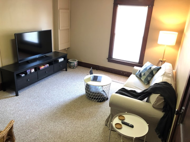 Clean & Cozy 1BR Apt Home in Wooster - Queen Bed