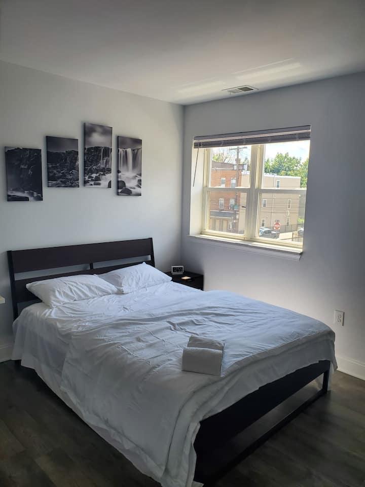 Cozy Modern Apartment - Shriner Hospital