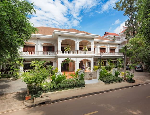 Grand - Double Bed & Breakfast, Free Pick Up - Krong Siem Reap - Szoba reggelivel