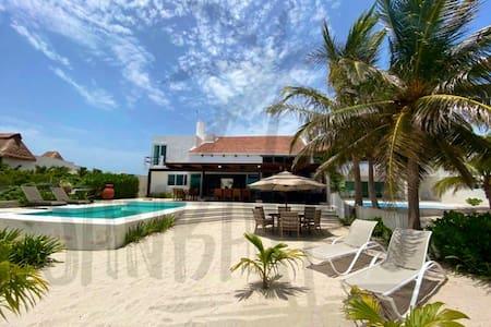 Casa en la playa frente al mar de Uaymitún Yucatan