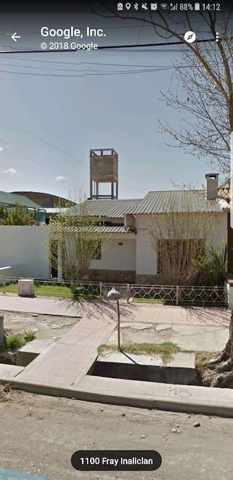 Esta es mi casa. El loft está atrás.  OJO!  el gps los manda a otro lado. Colocar Fray Inalicán 1100