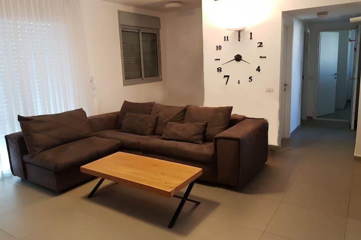 Ayelet & Nir sunlight apartment