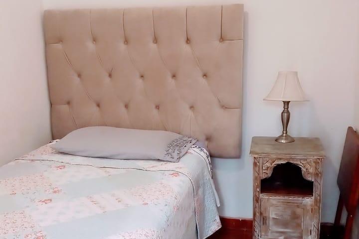 hostal centro habitacion privada con baño bonna