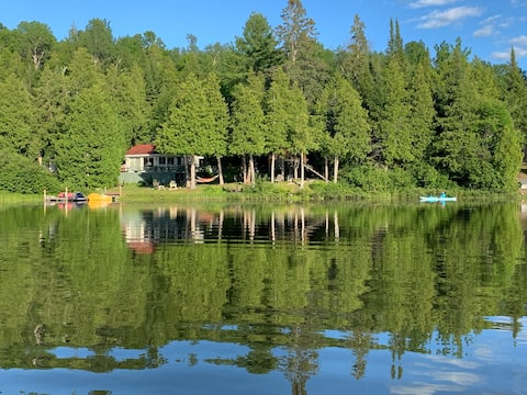 Peaceful waterfront cottage-Chalet lake Sinclair