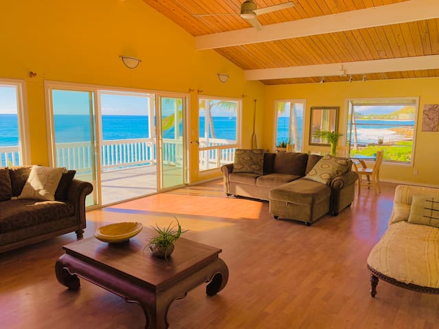 Oceanfront - 3 Bedroom House - Perfect for Sunset!