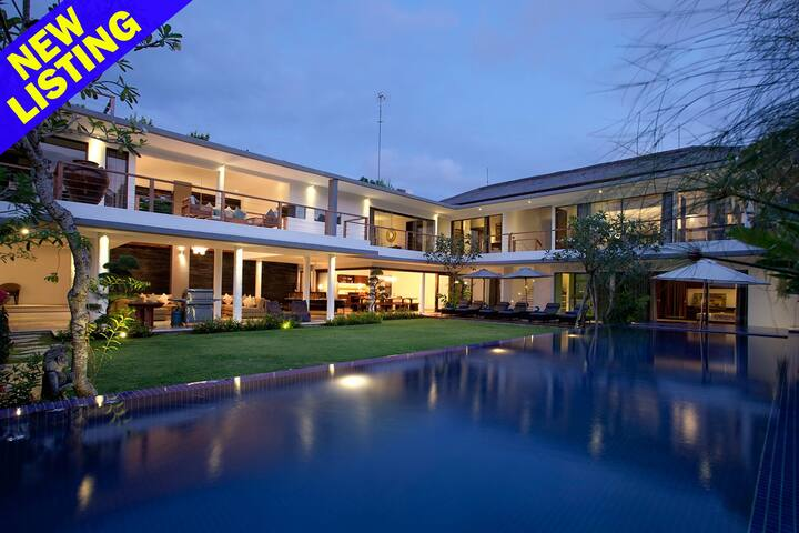 5 Bedroom Luxury Villa 100m from Jimbaran Beach;