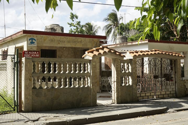 Villa Margarita. Beach House