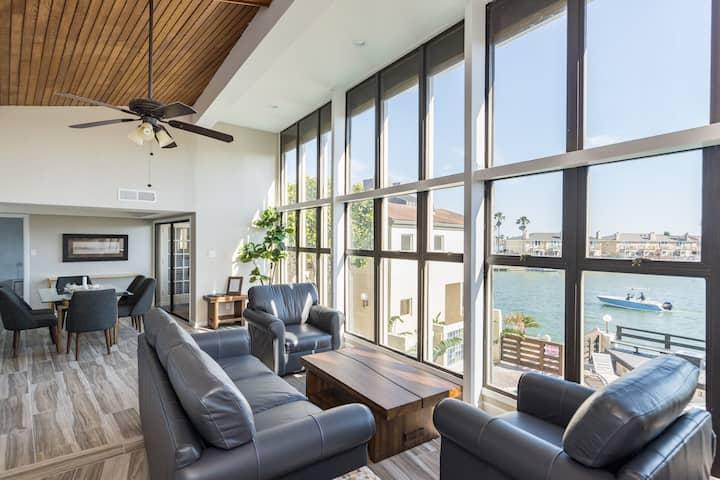 Amazing Waterfront Penthouse! Sleeps 9 Gym / Pool