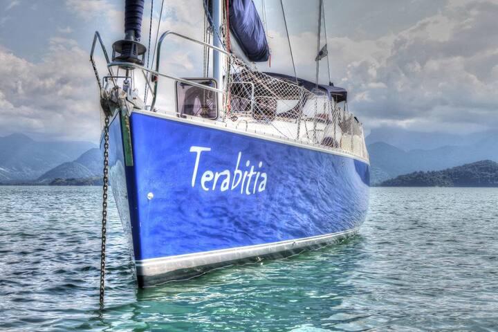 Veleiro Terabitia - Charter com hospedagem