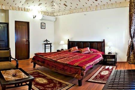Royal Cottage at a mesmerizing Resort in Pushkar