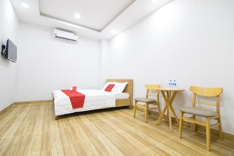 TNT.Sweet Room near Airport  Suitable for Longstay