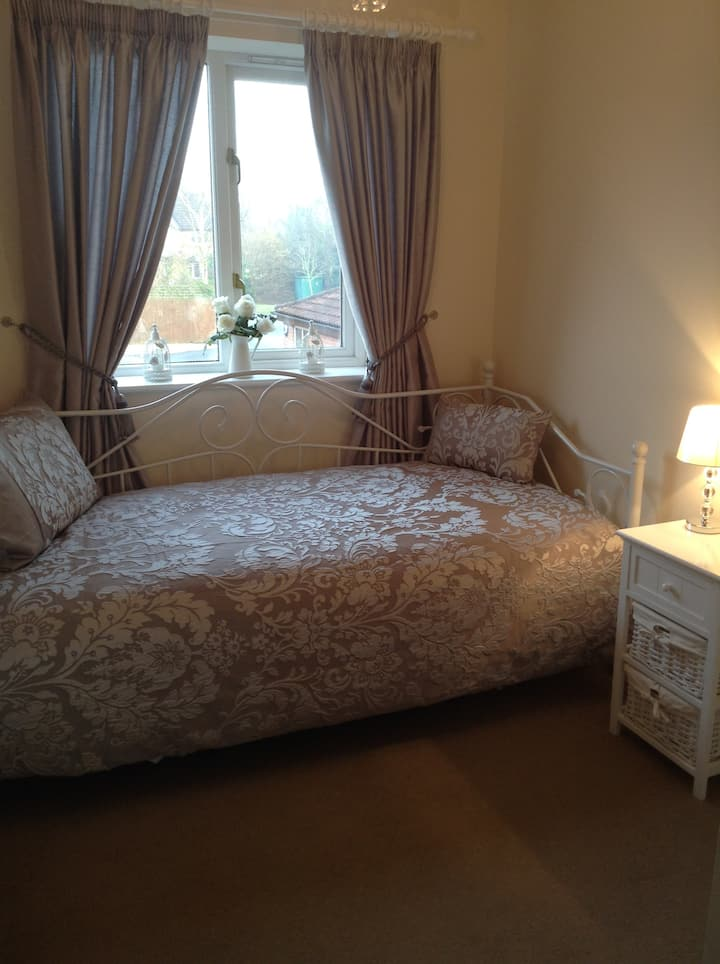 Warm comfortable spare room