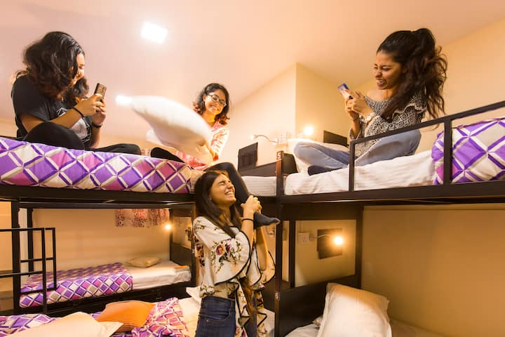 A Bed in 6 Bed Female Dorm in Mumbai
