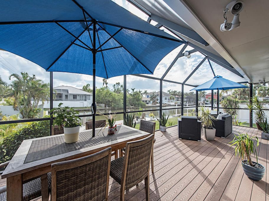 Screened in Deck over looking Boat Dock and Canal