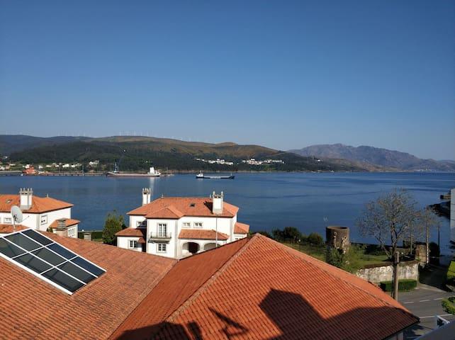 Piso con vistas en el casco histórico de Corcubión
